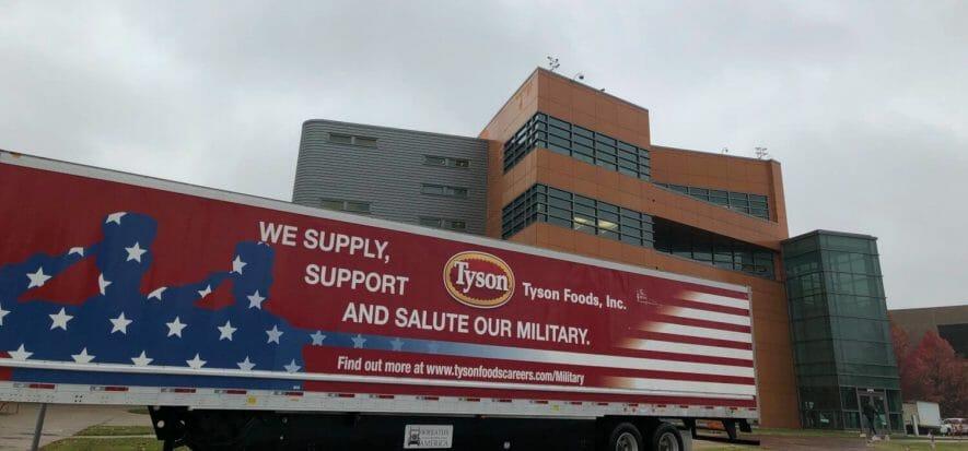 Tyson, il bilancio frenato da un incendio: utili giù dell'8,8%