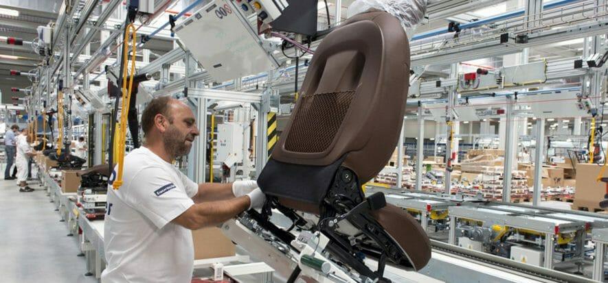 Faurecia runs into Covid-19: sales -13.5%, interiors -26%