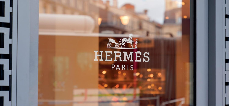 Hermès riapre una fabbrica in Francia e fa il record a Guangzhou