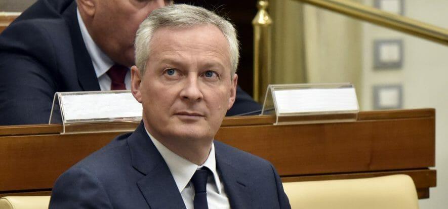 Francia, il Governo all'auto: soldi solo in cambio di reshoring