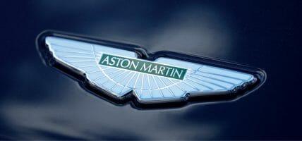 Aston Martin taglia i costi e licenzia 500 addetti