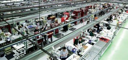 Mulberry chiude una delle 2 fabbriche inglesi, dice Drapers