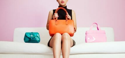 Leather goods rewards luxury: here is the identikit of a winning bag