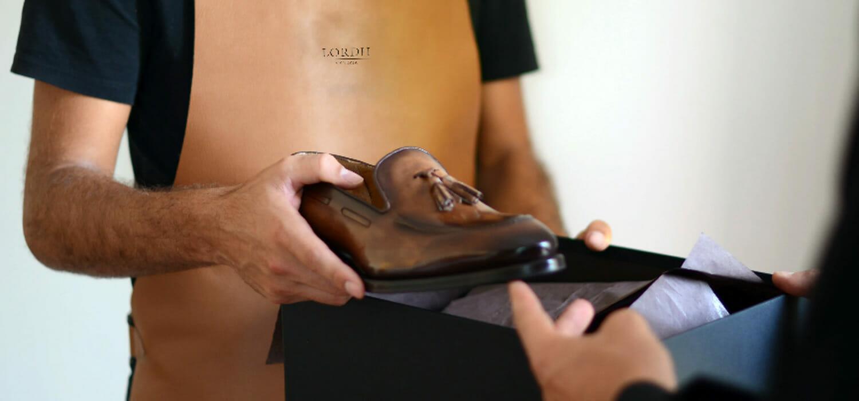 La scarpa su misura: le opinioni, a confronto, di chi la fa