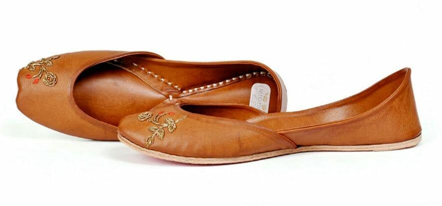L'idea indiana: il tipico sandalo del Punjab può essere moderno