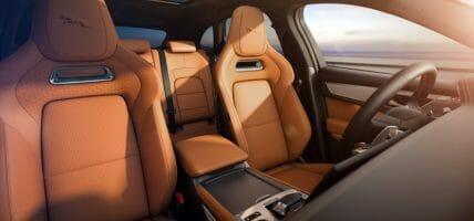 I designer di Jaguar spiegano il valore aggiunto della pelle