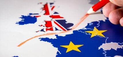 """La moda UK scrive a Boris Johnson: """"Brexit ci decimerà"""""""