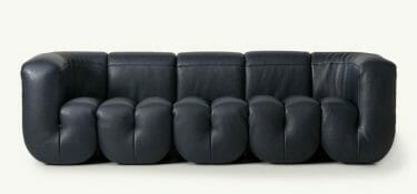 For the DS-707 collection, DeSede combines leather and expert hands