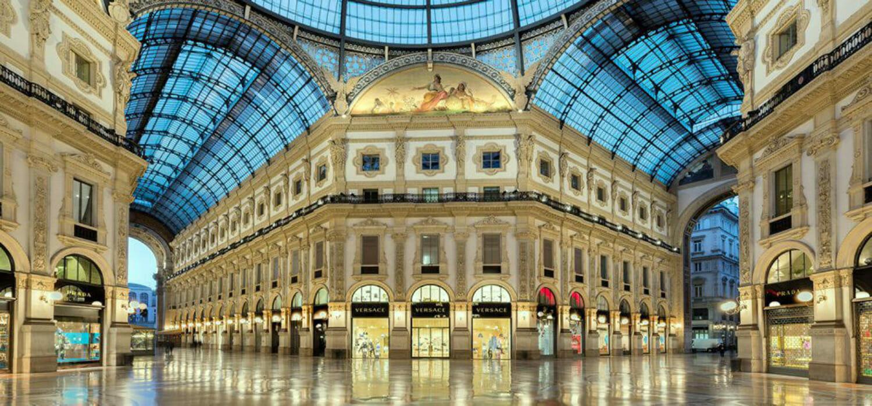 Milano rimane il ring del lusso: la caccia alle vetrine continua