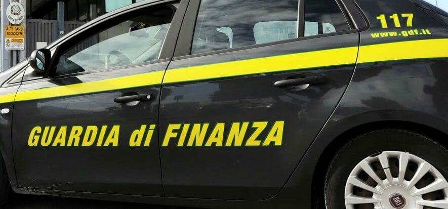 Caporalato e bancarotta in pelletteria, 2 arresti a Campi Bisenzio