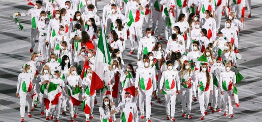 Armani and the others: the designers and sneakers' Olympics