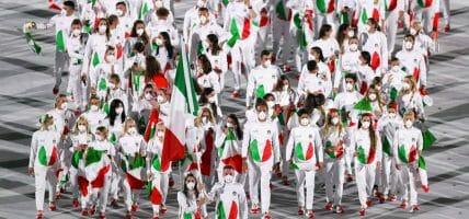 Armani e gli altri: le Olimpiadi delle griffe e delle sneaker