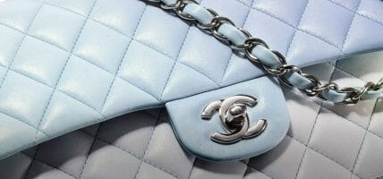 Più esclusività, meno second hand: Chanel contingenta gli acquisti